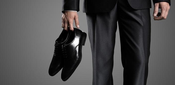 就活スーツに合う靴は、内羽式?それとも外羽式?の画像