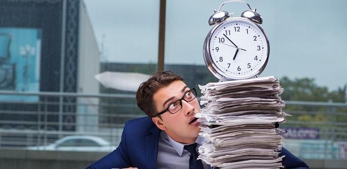 もしかして働きすぎ?平均残業時間ってどのくらい?の画像