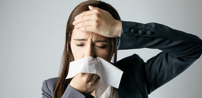 風邪をひいたら仕事は休む?それとも休まない?の画像