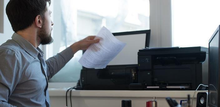 手書きよりもパソコン作成の履歴書が向いている業界とはの画像