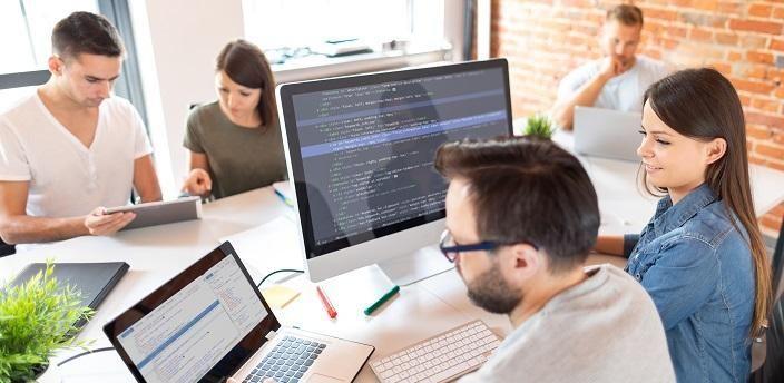 未経験からプログラマーを目指せる?主な仕事内容とはの画像