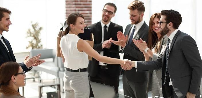 新入社員向け!歓迎会の挨拶で印象アップする方法の画像